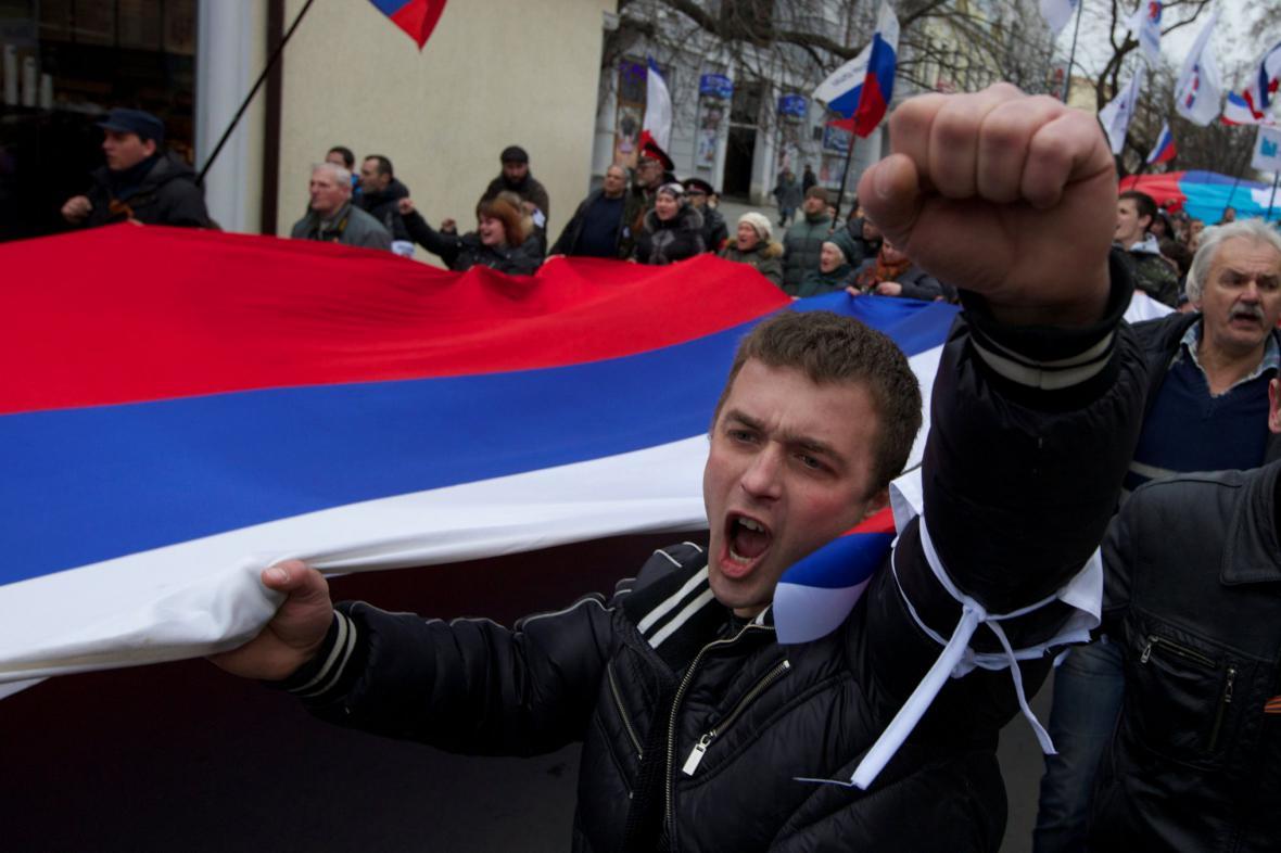 Proruští aktivisté v Simferopolu