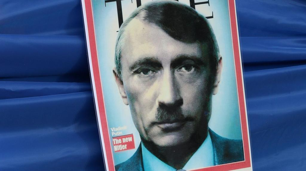 Demonstranti v Bruselu mají o roli Putina v otázce Krymu jasno