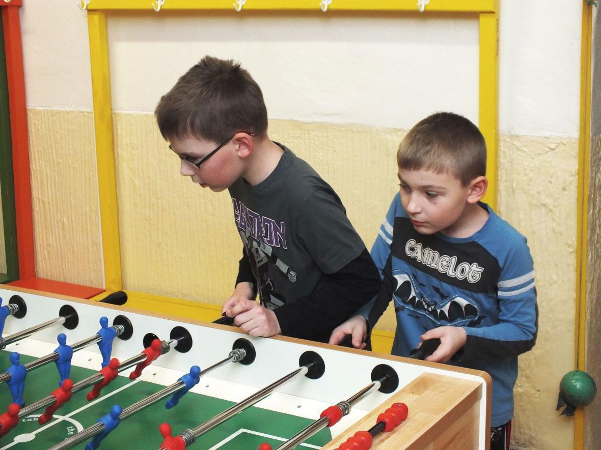 Soutěž ve stolním fotbalu - DDM Boskovice