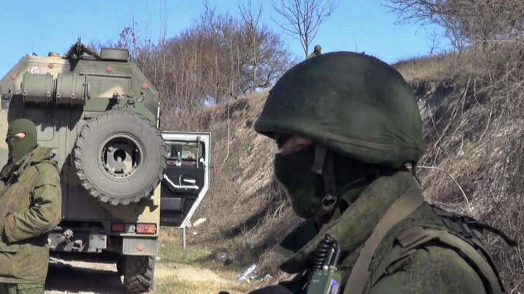 Ozbrojenci na krymských silnicích