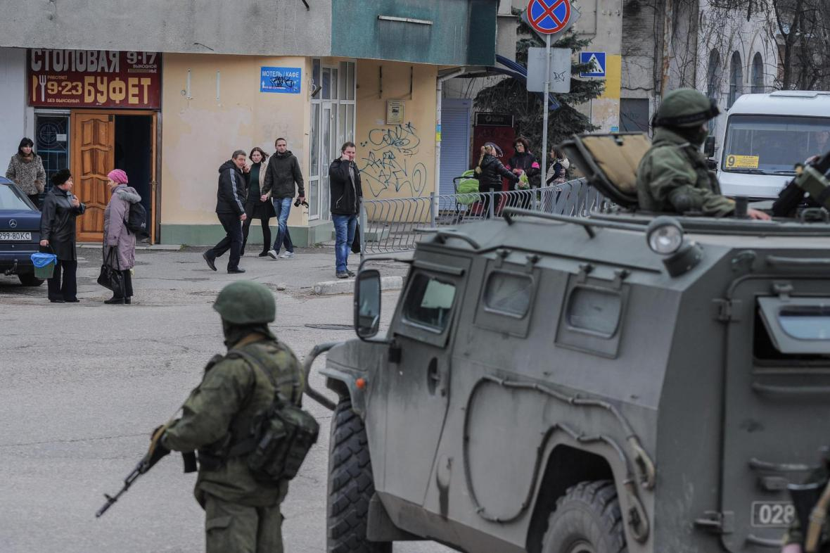 Ozbrojenci na předměstí Sevastopolu