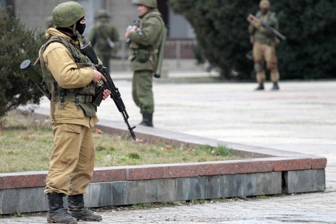 Ozbrojenci v Simferopolu