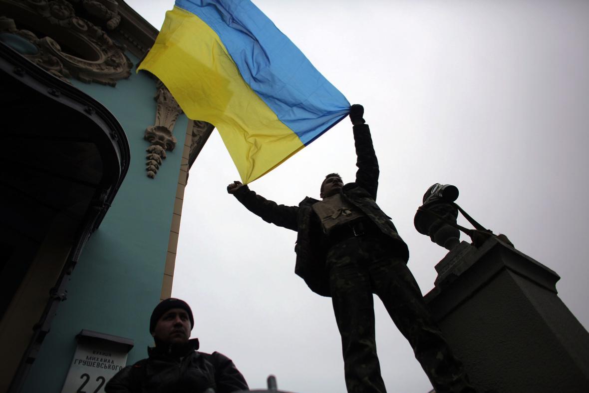 Ukrajina: Demonstranti před parlamentem