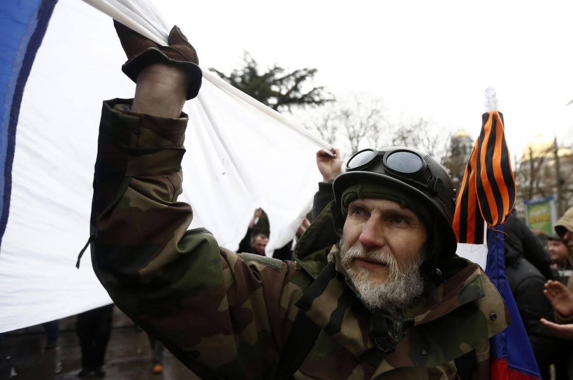 Demonstrace příznivců Ruska na Krymu