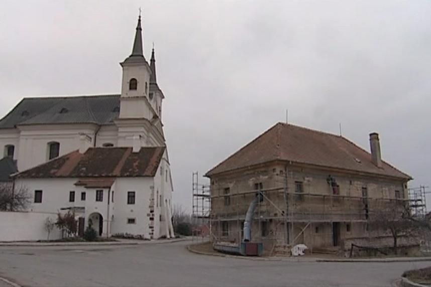 Budova staré radnice před rekonstrukcí