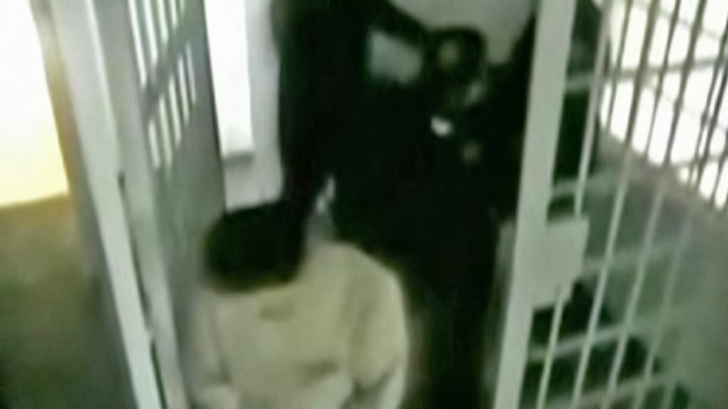 Joaquín Guzmán ve vězeňské cele