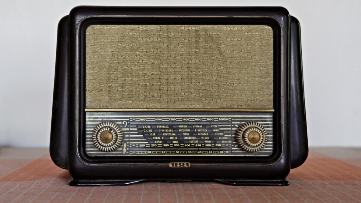 Historický rozhlasový přijímač