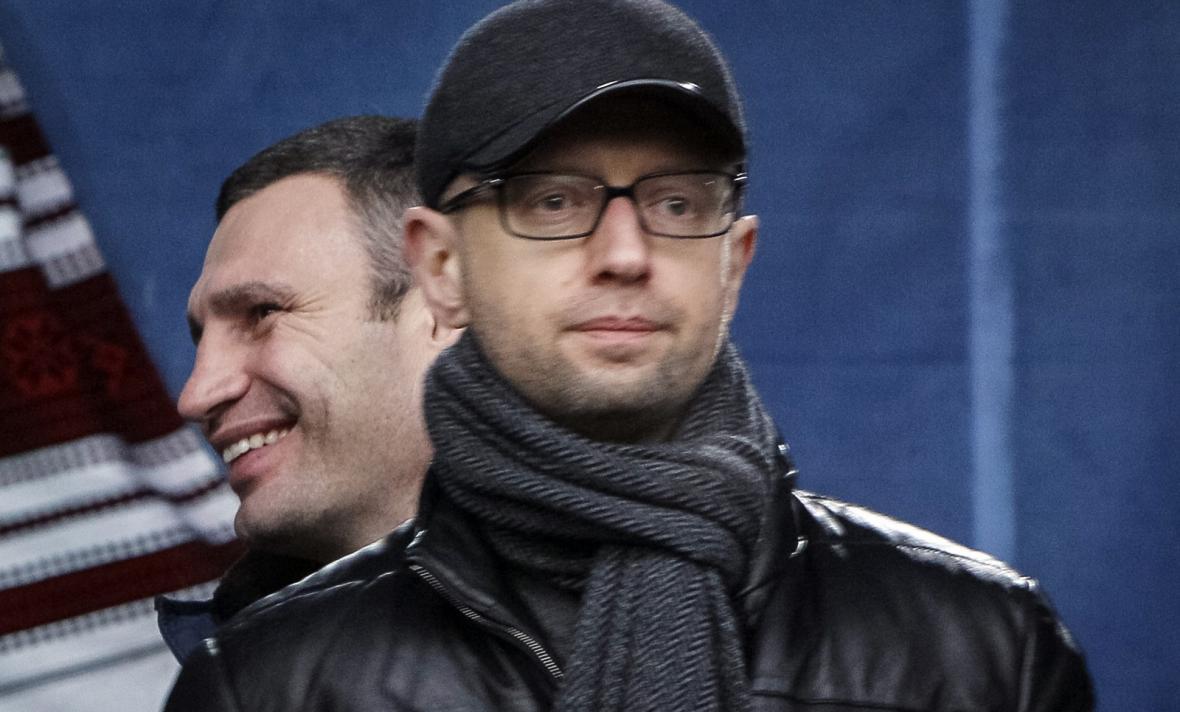 Arsenij Jaceňuk a Vitalij Kličko
