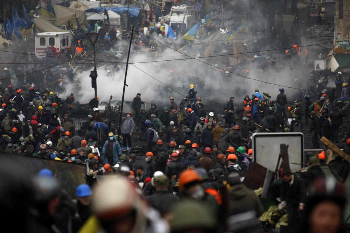 Demonstranti na náměstí Nezávislosti
