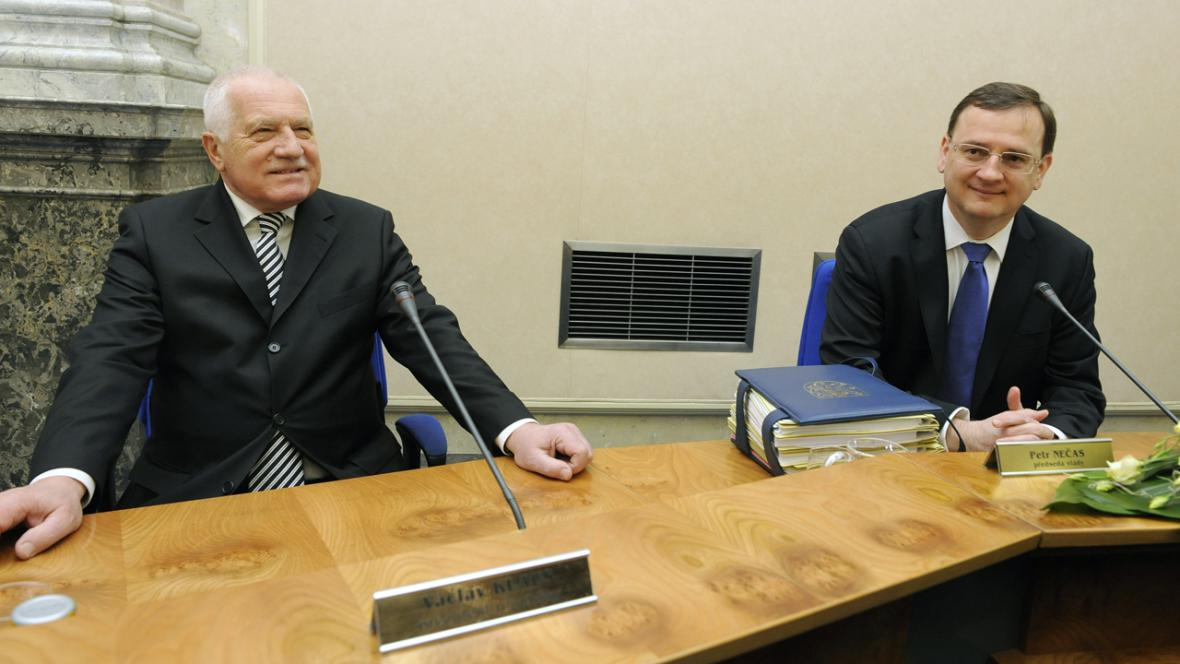 Václav Klaus a Petr Nečas na vládě