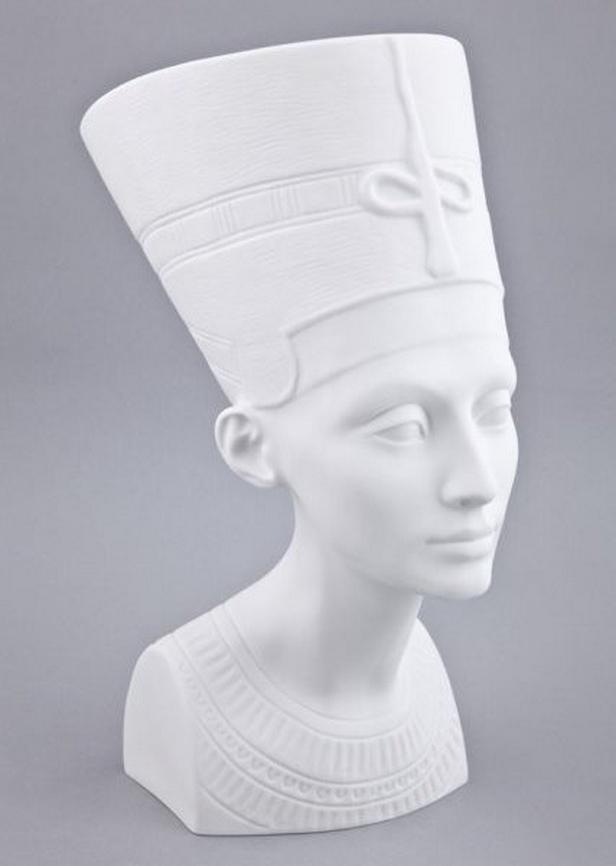 Porcelánová Nefertiti