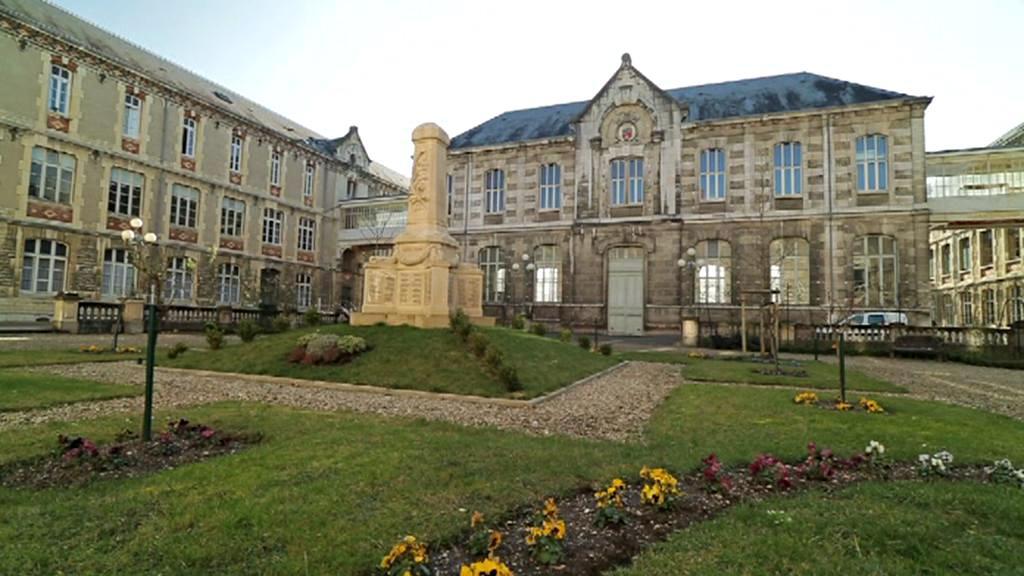 Carnotovo lyceum v Dijonu