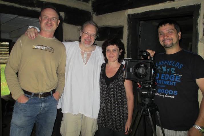 Štáb připravující dokument o Davidu Ziesbergerovi (L. Hlavsa uprostřed)