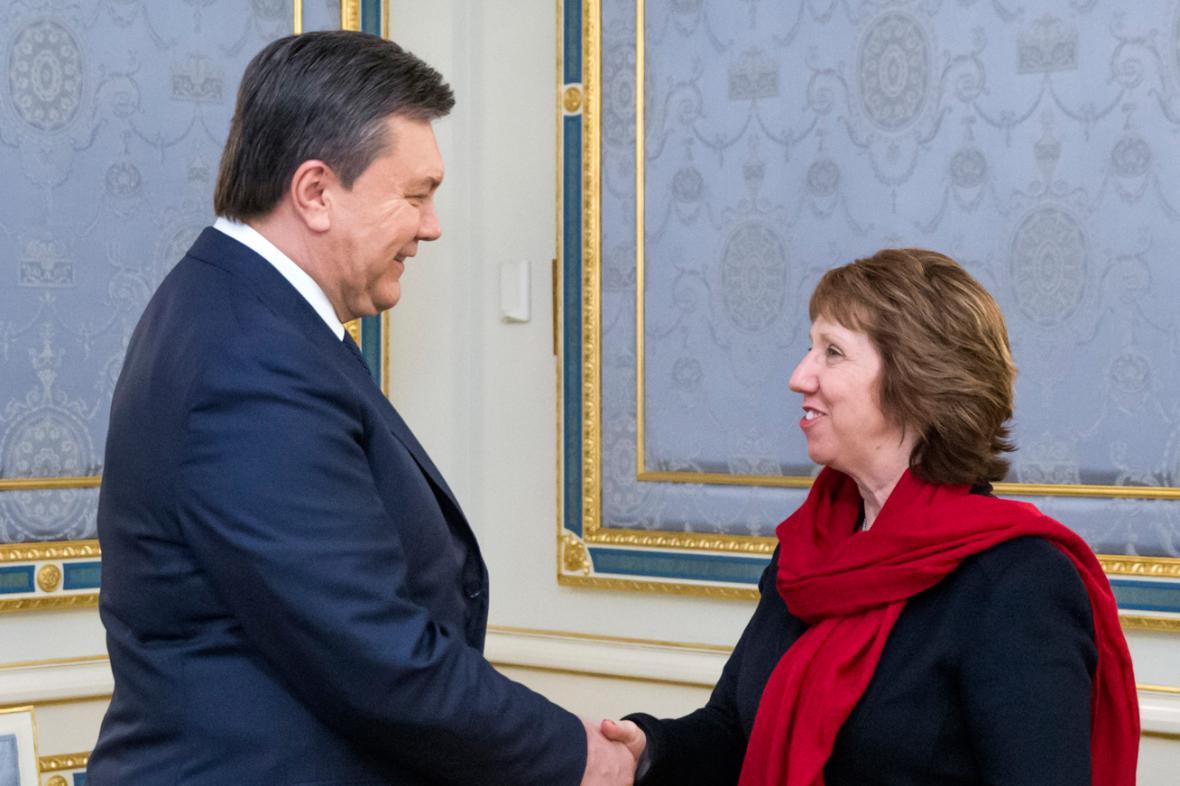 Viktor Janukovyč a Catherine Ashtonová