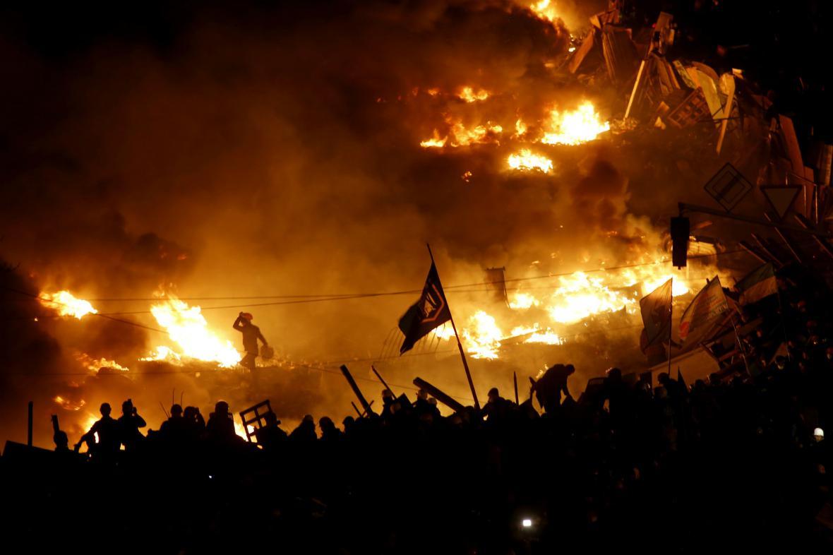 Bouřlivá situace na náměstí Nezávislosti