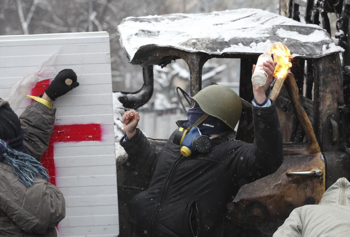 Protesty radikálů v ulicích Kyjeva