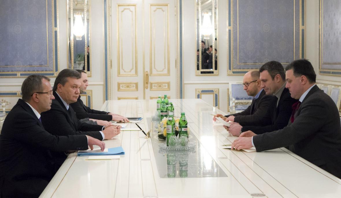Jednání ukrajinského prezidenta s předáky opozice
