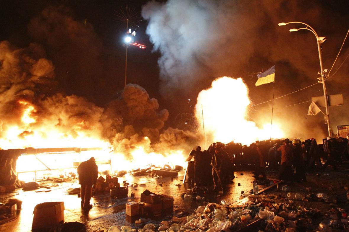 Majdan v plamenech
