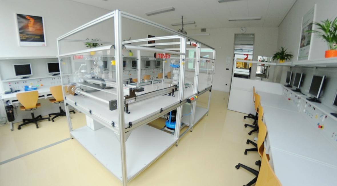 Speciální robotická laboratoř v Ostrově