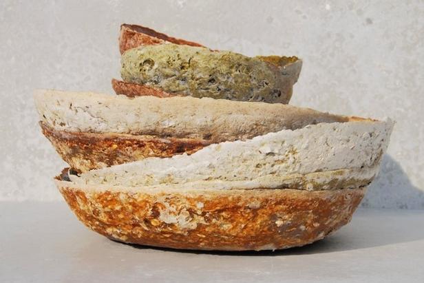 Mísy vyrobené z ovoce, zeleniny a lnu (design: Renee Boute)