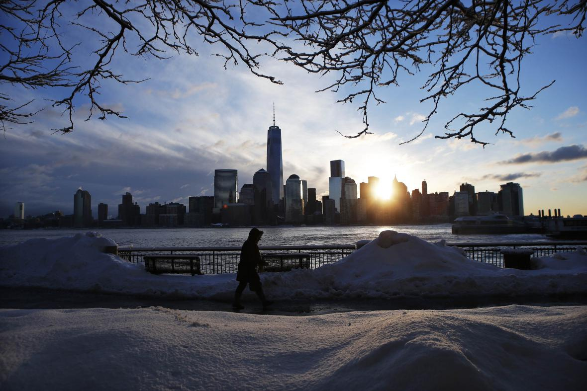 New York se ocitl pod sněhem