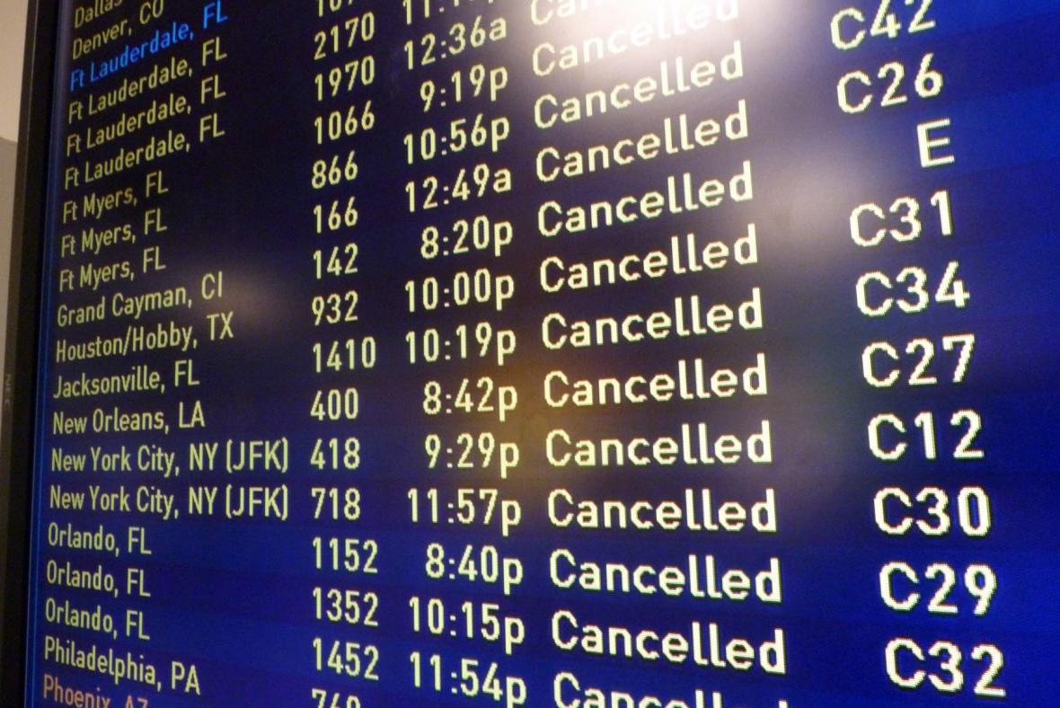 Sníh zastavil i provoz na bostonském letišti