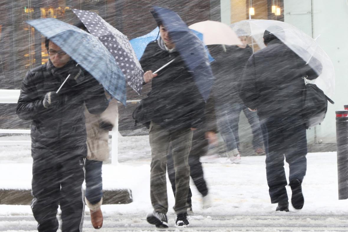 Tokio zasáhla nezvykle silná sněhová bouře