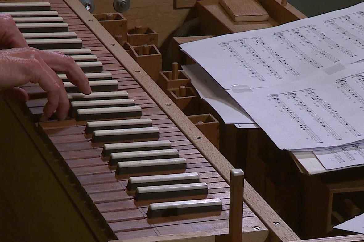 Na cembalo zahrála Barbara Maria Willi