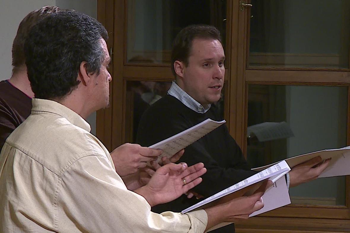 První koncert se věnoval gregoriánskému chorálu