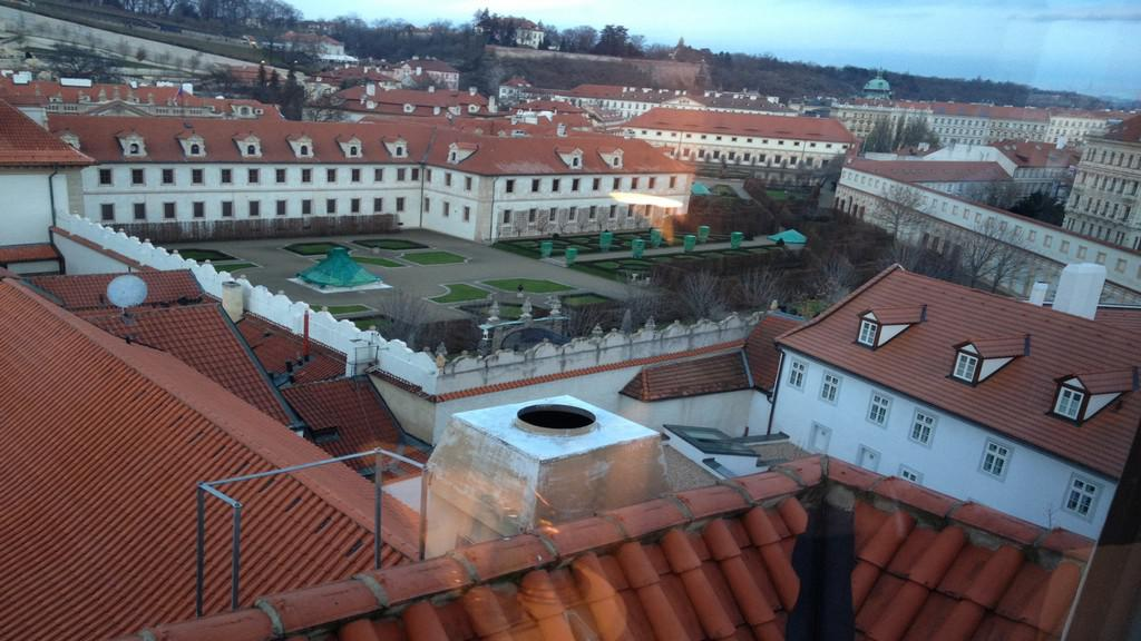Výhled na pražské paláce