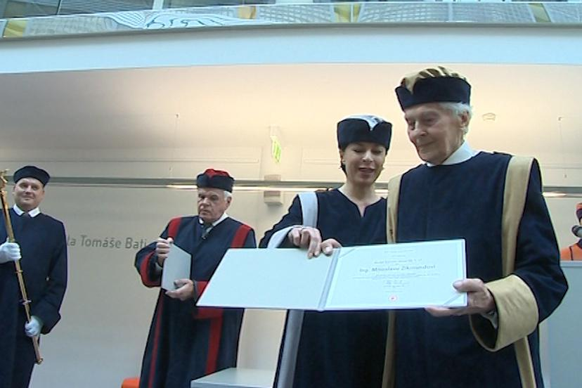Cestovatel získal hodnost doctor honoris causa