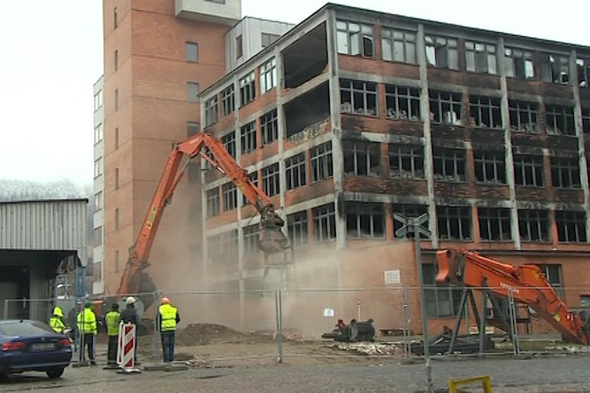 Demolice vyhořelé 103. budovy
