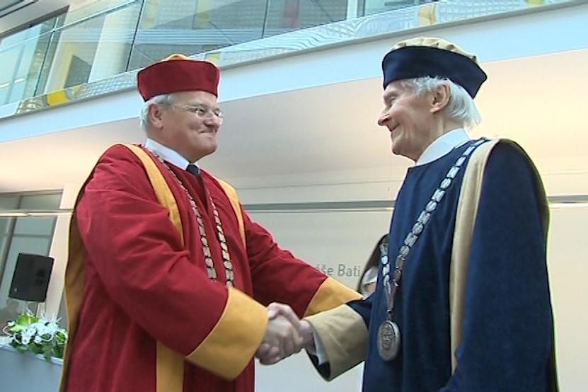 Zikmund je čtvrtým držitelem čestného doktorátu ze Zlína