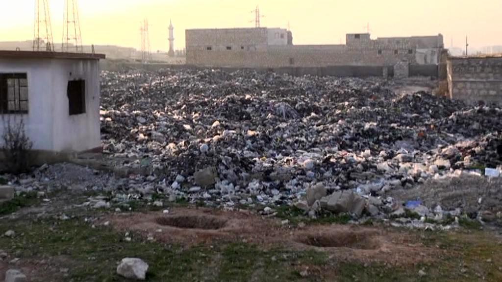 Hory odpadků v Aleppu