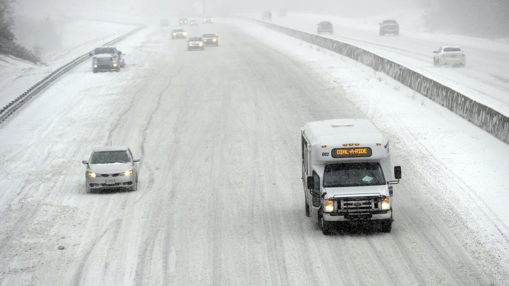 Zasněžená dálnice v Kansasu