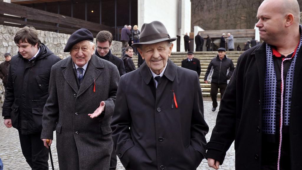 Jan Fojtík a Miloš Jakeš na Biľakově pohřbu