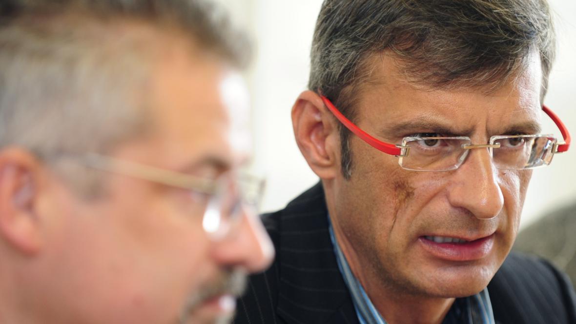 První místopředseda ČMKOS Václav Pícl (vpravo)