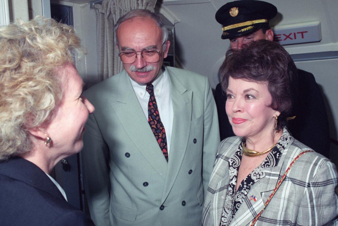Shirley Templová-Blacková a Karel Dyba
