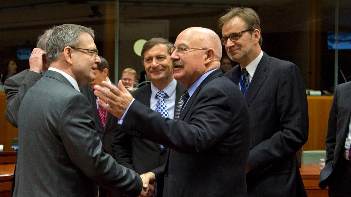 Lubomír Zaorálek a Janos Martonyi na schůzce ministrů zahraničí EU