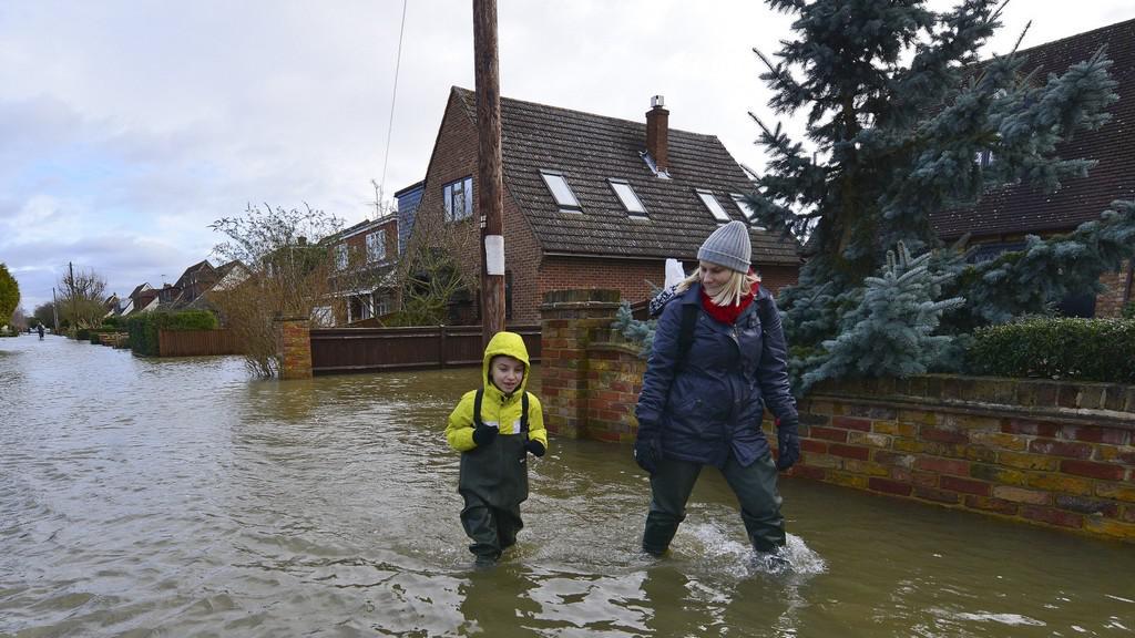Anglii sužují povodně