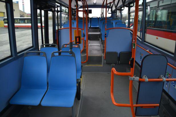 Modrá sedadla