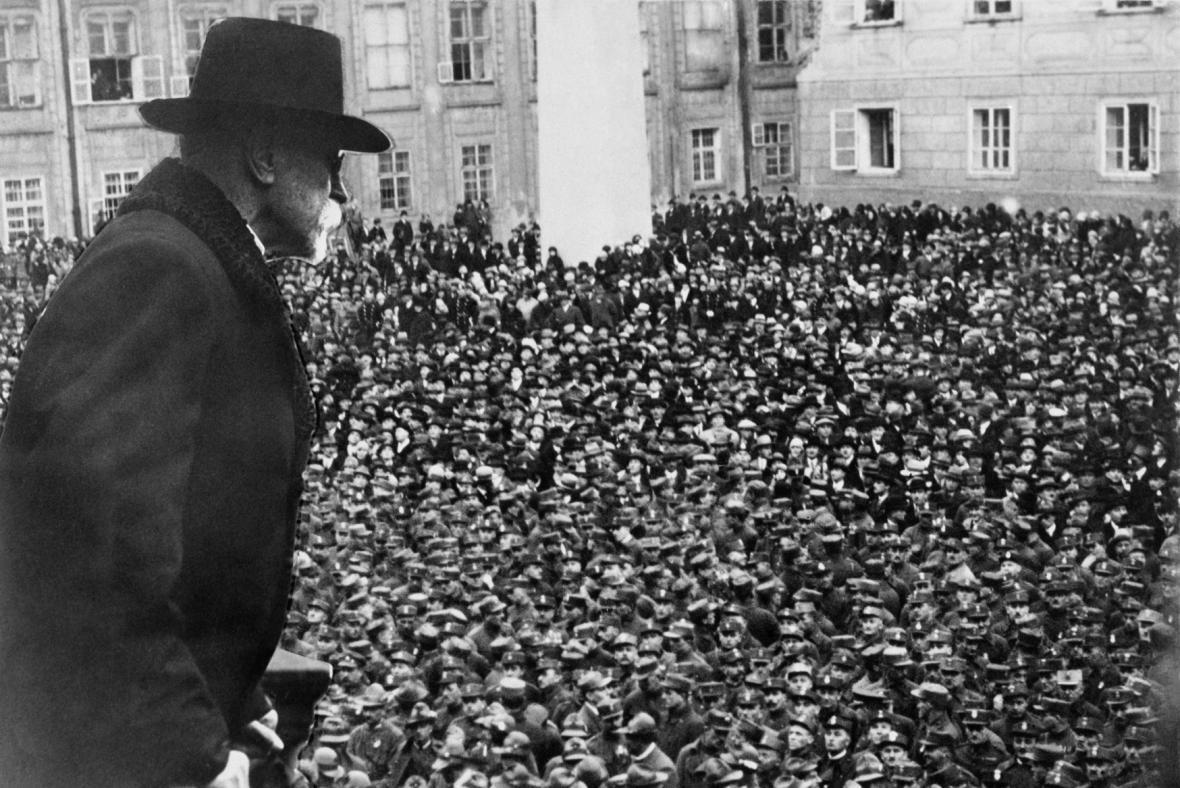 Legionáři vzdávají hold prezidentu Tomáši Garrigue Masarykovi