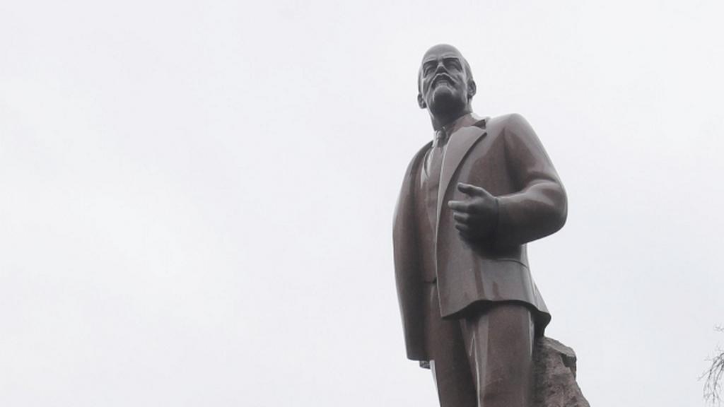 Socha Lenina - ilustrační foto (Kyjev)