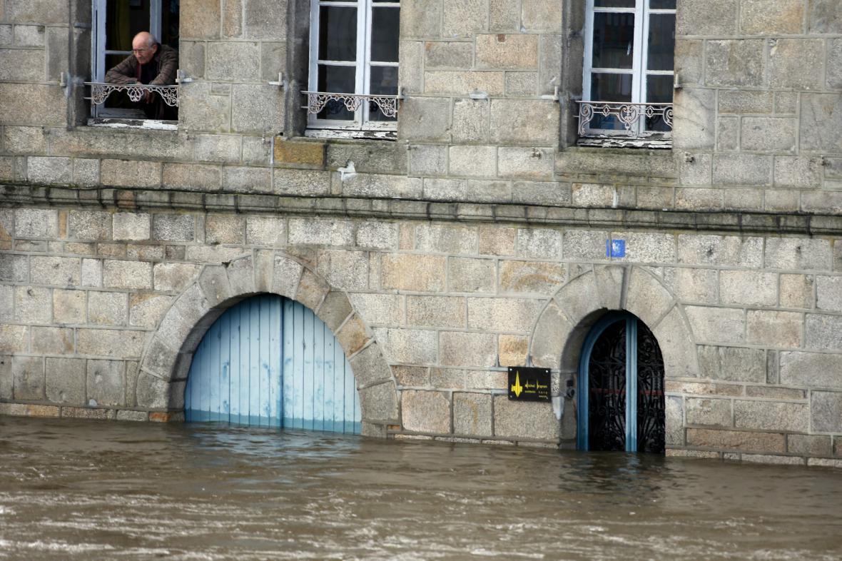 Centrum francouzského Quimperle pod vodou