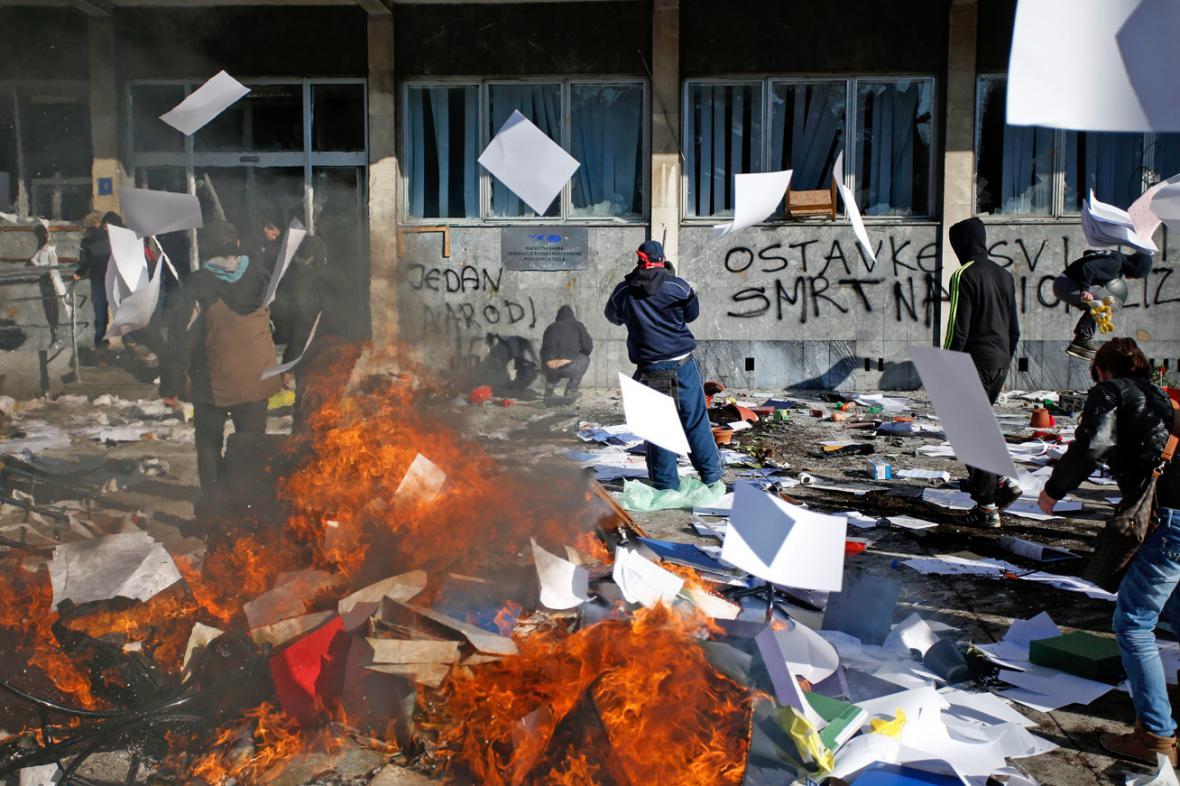 Pouliční nepokoje v Tuzle