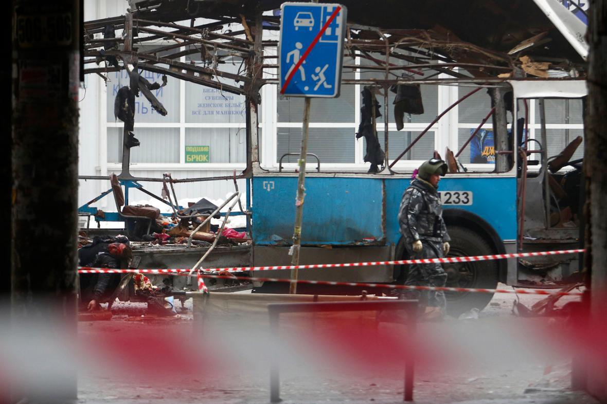 Policie vyšetřuje výbuch v trolejbusu ve Volgogradě