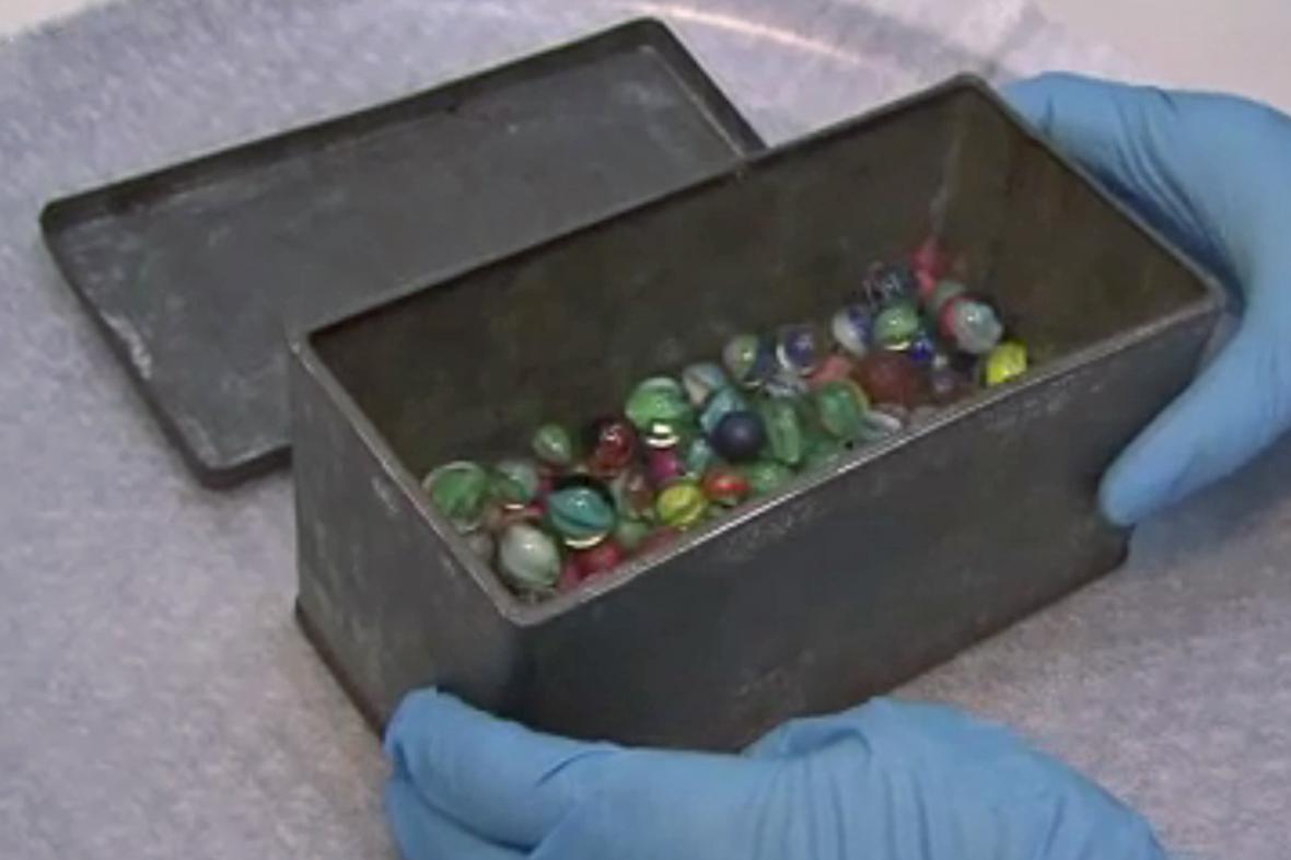 Plechová krabice s kuličkami Anny Frankové