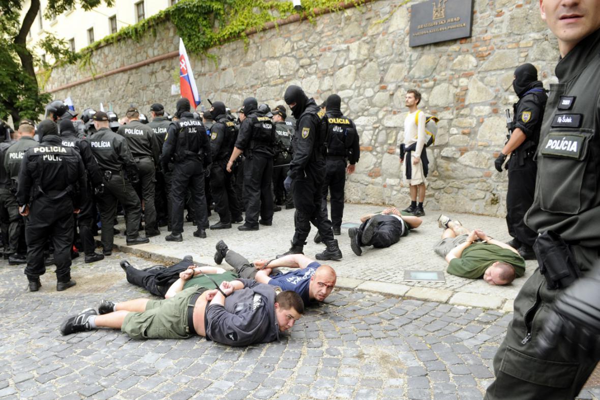 Policejní zásah proti slovenským extremistům