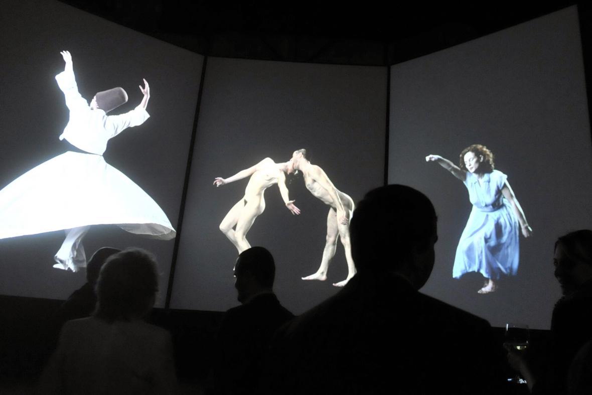 Slow dancing & Figure studies Davida Michalka