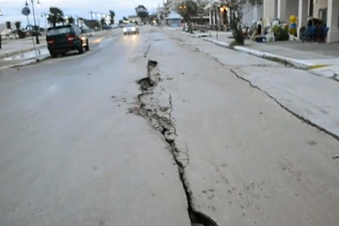 Následky zemětřesení v Kefalonii